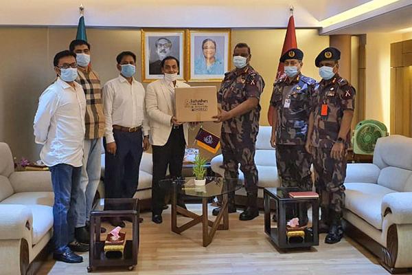Bashundhara Group provides 25,000 masks and 1,000 PPE for BGB