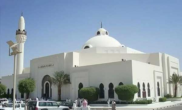 Saudi Arabia closes 71 mosques again