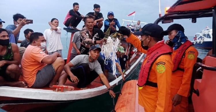 Indonesia passenger plane crash site found