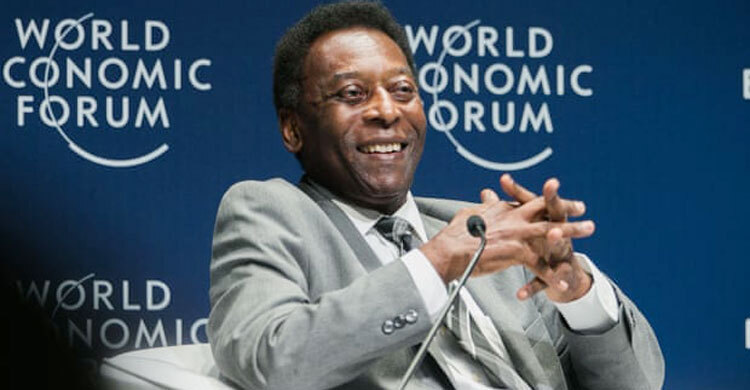 Pelé recovering in hospital after operation to remove tumour